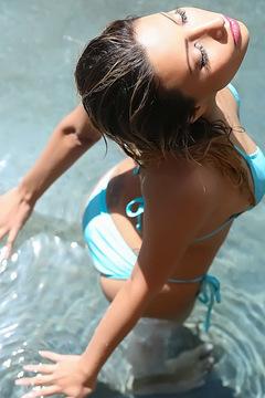 Jade Jantzen Strip In The Pool